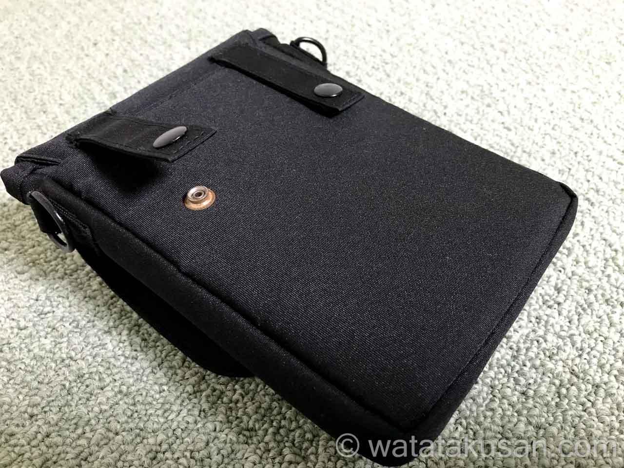 リヒトラブキャリングポーチスマートフィットA6のベルトに装着する部分